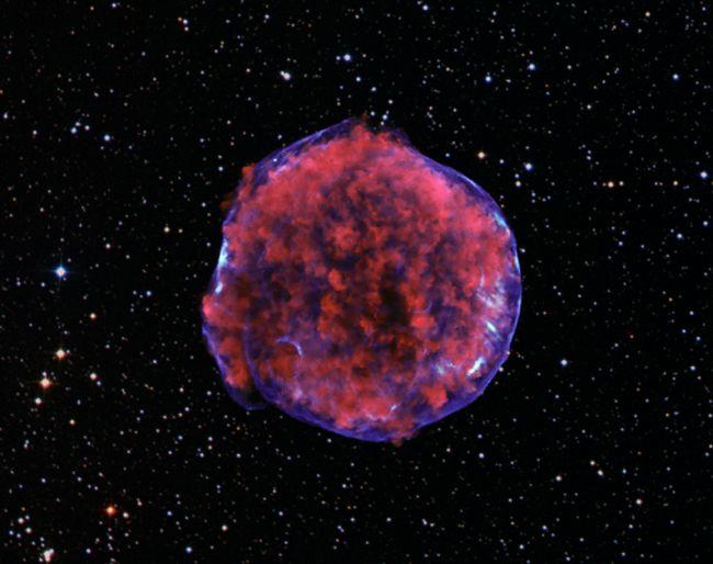 X-ray stripes in TYCO Supernova Image NASA/CRC/ESA/